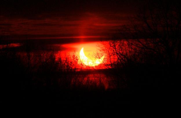 Aquarian solutions jog dark sunrise eclipse and cap moon for Solar lunar fishing