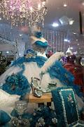 vestidos de XV años princesa y mariposa morado logo