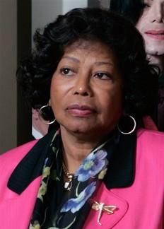 Juez estima que los hijos de Michael Jackson están bien tutelados por su abuela