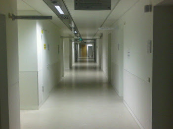 """Hallway to the """"cabin"""" on the right"""