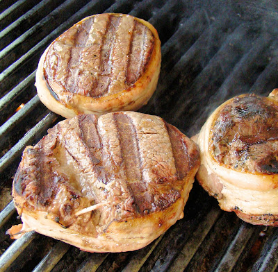 how to cook bacon wrapped filet mignon on gas grill
