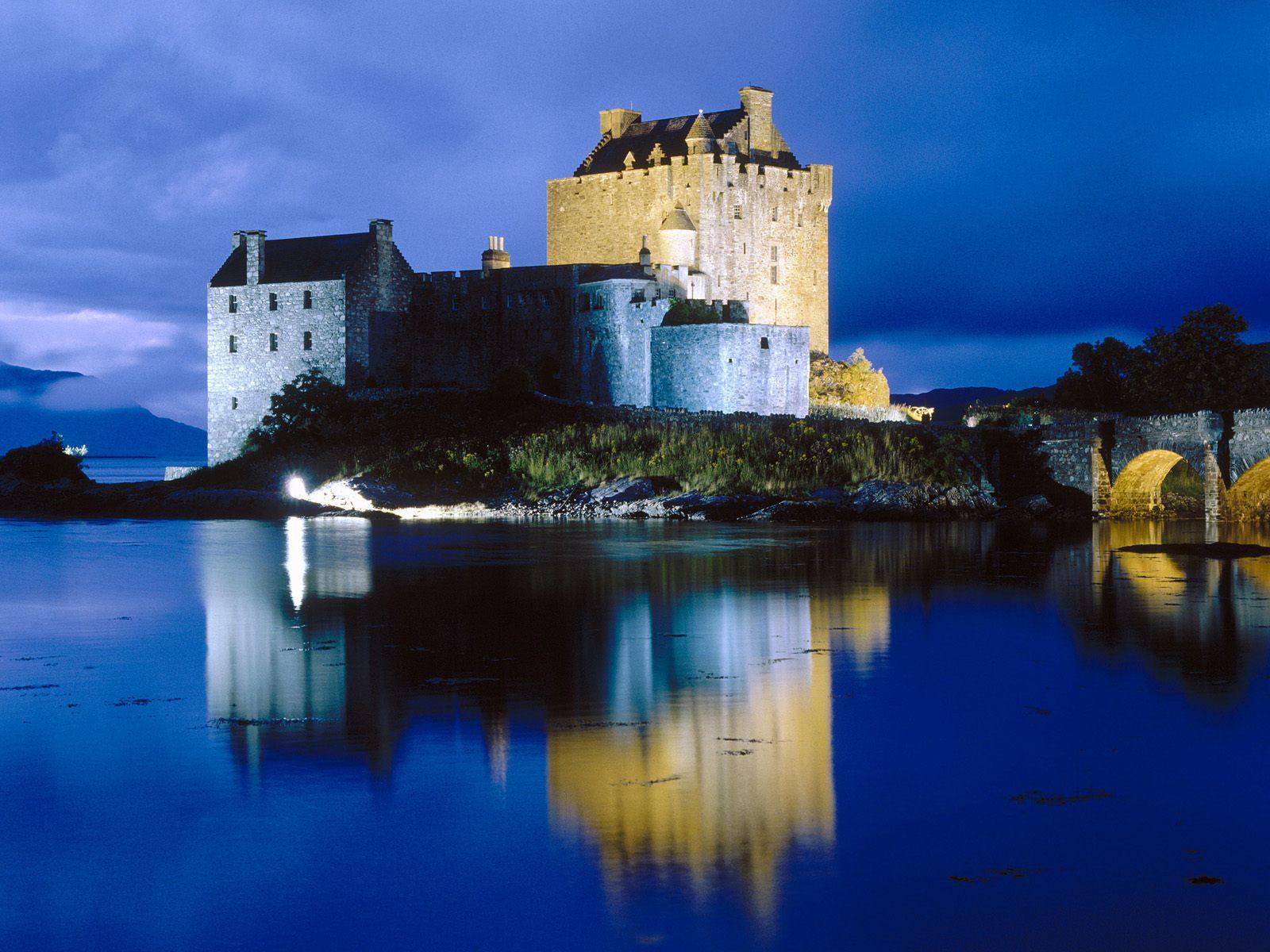 http://3.bp.blogspot.com/_HkbWdsz-H8g/S73mFMeP7AI/AAAAAAAAILs/doGR22X4mh8/s1600/Evening+Falls+on+Eilean+Donan+Castle,+Scotland.jpg