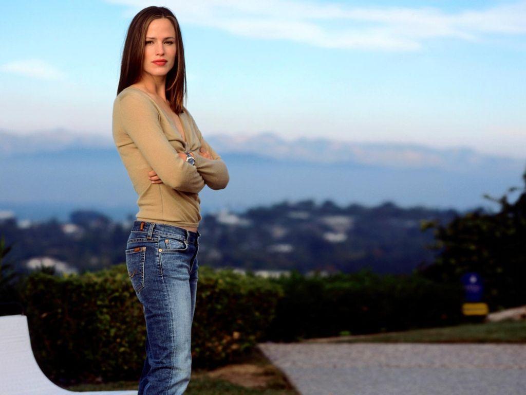 Jennifer Garner   ::: Latest Wallpapers:: Antonio Banderas Twitter