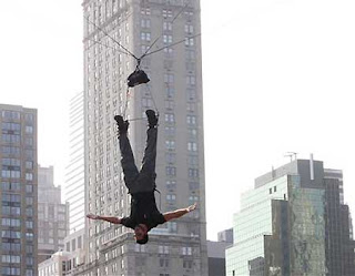 david blaine caught not hanging upside down