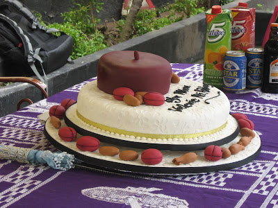Nigeria Traditional Wedding Cakes http://thekushgalleries.blogspot.com/2009/11/igbo-traditional-wedding.html