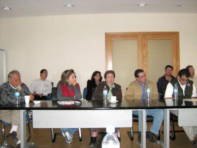 REUNION DE ECOLOGISTAS Y FUNCIONARIOS