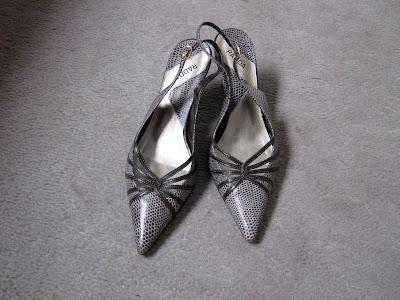 Sapato de Bico Fino Elegante