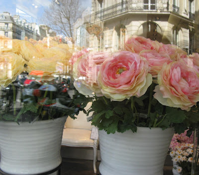Paris breakfasts sia i went to 35 boulevard malesherbes 75008 near the madeleine look right in the window my roses mightylinksfo Image collections