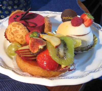 French Pastry - Paris Breakfasts