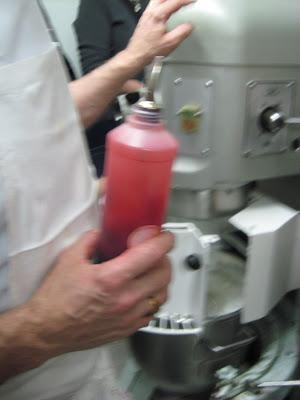 Macaron raspberry colorant