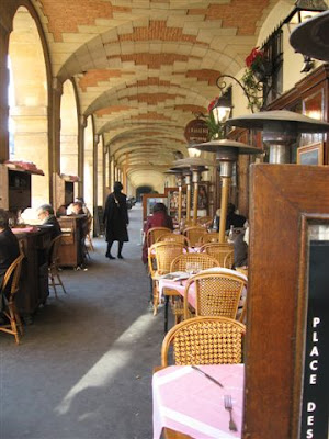 Place des Vosges arcades