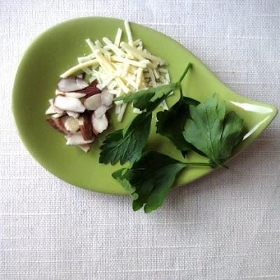 parsley almond pesto