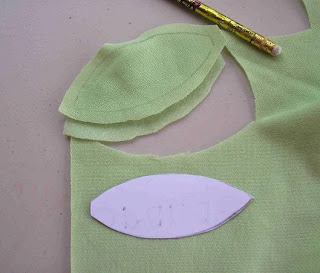 Play pea pods tutorial pa country crafts for Peas in a pod craft