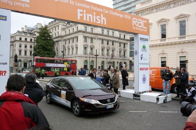 Honda FCX Clarity crosses the finishing line