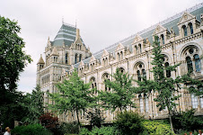 THE NATURAL HISTORY MUSEUM & more interesting London sites (click on the image)
