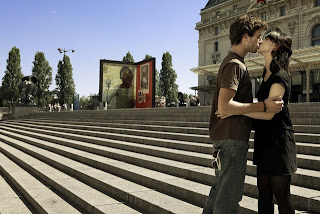 Taiwanese woman to kiss 100 men in Paris