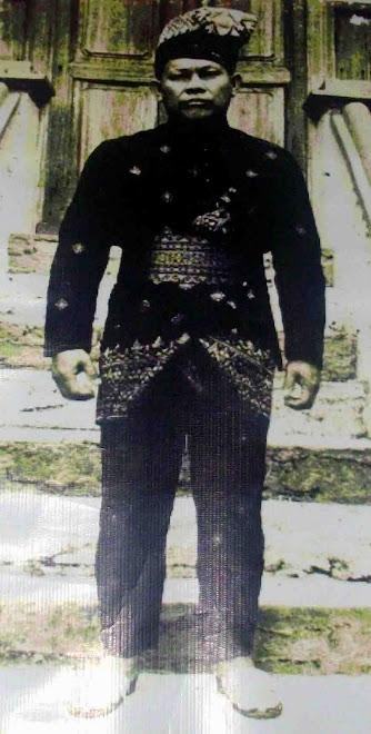 Pengasas Pertubuhan Seni Silat Sendeng ini ialah Allahyarham Haji Abdul Hamid bin Haji Hamzah