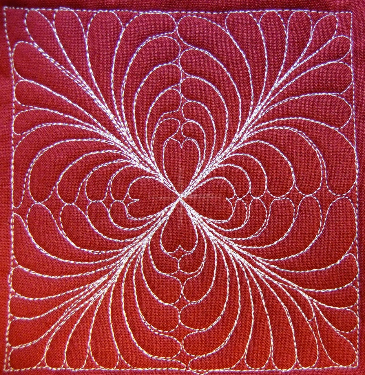 Free Motion Quilting Designs Hearts : The Free Motion Quilting Project: Day 231 - Feathered Hearts
