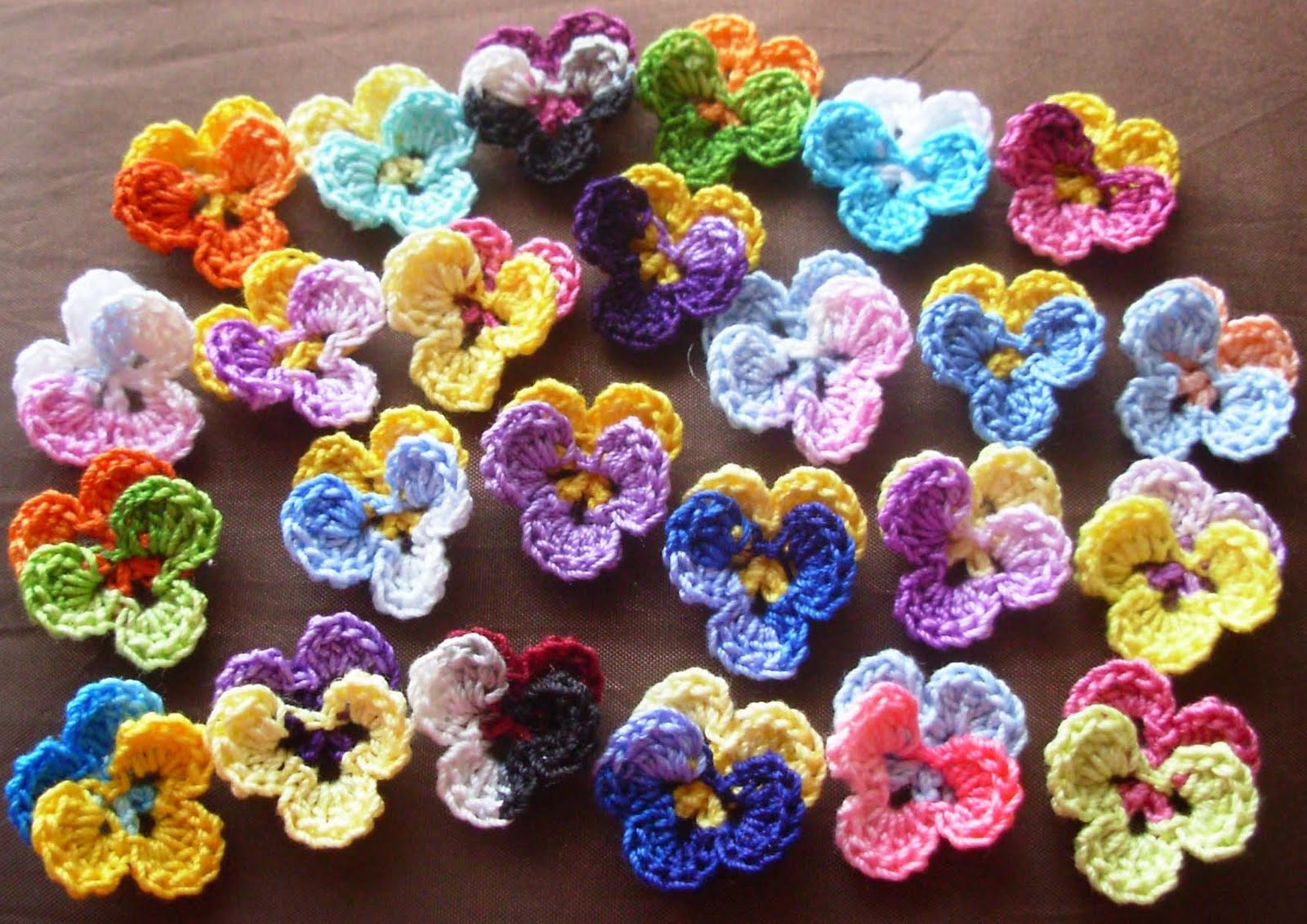 All Crochet : Crochet Flowers: Ideas for using crochet flowers in projects