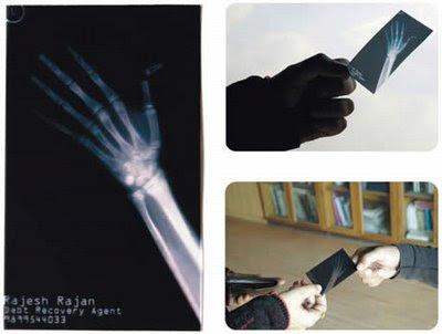 Cartões com facas curiosas P%C3%A9+Direito+Duplo+-+Cart%C3%A3o+de+visita+diferente+40