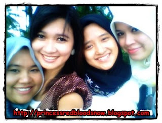 The Eyes Of Redbloodsnow's Blogs - Applepie, Kiki, Shiha + Zie