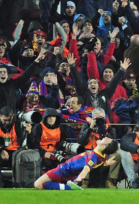 Barcelona goleo 5-0 al Real Madrid en el derby español, en la imagen gol del guaje villa