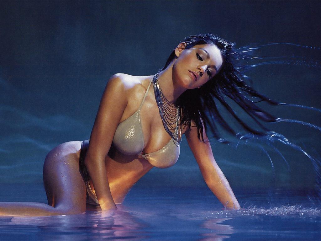 http://3.bp.blogspot.com/_I79NFmtXJZ0/S8Nj4DOZnpI/AAAAAAAAAJg/UsWKuZ5rzfk/s1600/BikiniBabe1024.jpg