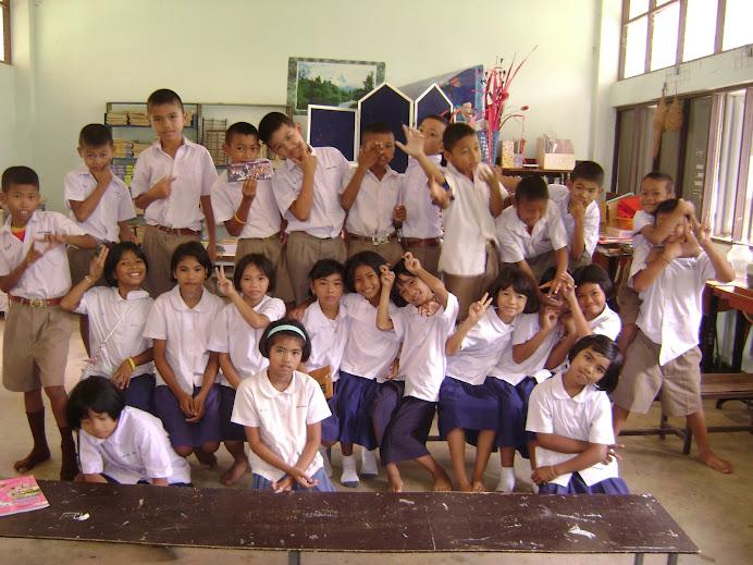 นักเรียน ป.4 มาเรียนในห้องวัฒนธรรมไทย