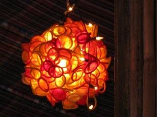 Kap Lampu dari Kondom