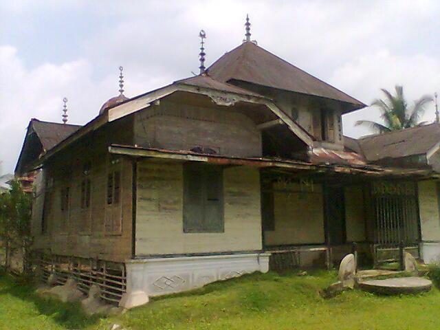 Istana Gunung Sahilan,wisata kampar