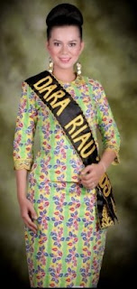 Dara Riau Putri Pariwisata Indonesia 2009