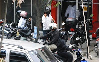 Foto-Foto Perampok Bank CIMB Niaga Medan