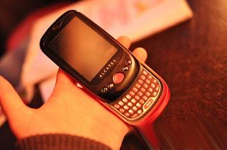 Harga dan Spesifikasi Alcatel OT-980