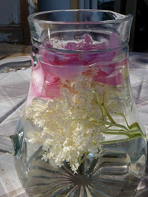 Aromatisches Wasser......