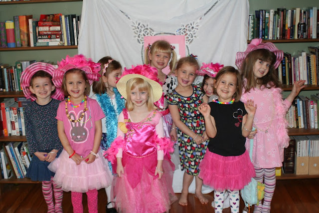 Little page turners how to design the perfect invitation we finally threw our fancy nancy party despite needing to change the date twice we had 8 lovely little ladies come to help us celebrate solutioingenieria Choice Image