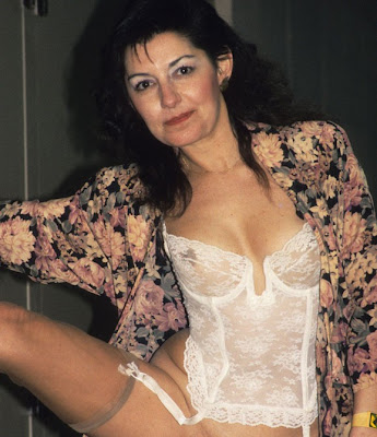 Connie Hamzy, Connie Hamzy White Pajamas, Top Hollywood Selebrities, top hollywood sexy artist