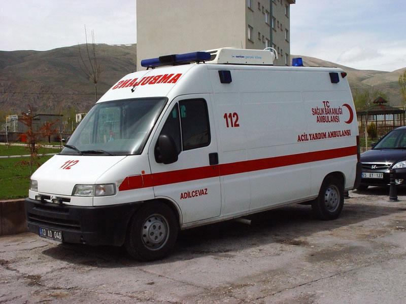 http://3.bp.blogspot.com/_IBjXjNsC0YQ/S68JgjqDCcI/AAAAAAAAACU/fLU6bN1AzdU/s1600/ambulans1.jpg