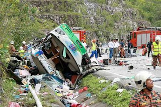 kemalangan bas di simpang pulai cameron highlands 27 terbunuh terkorban video gambar berita