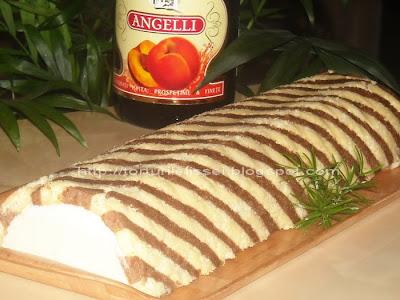 Articole culinare : Roll cu crema de sampanie