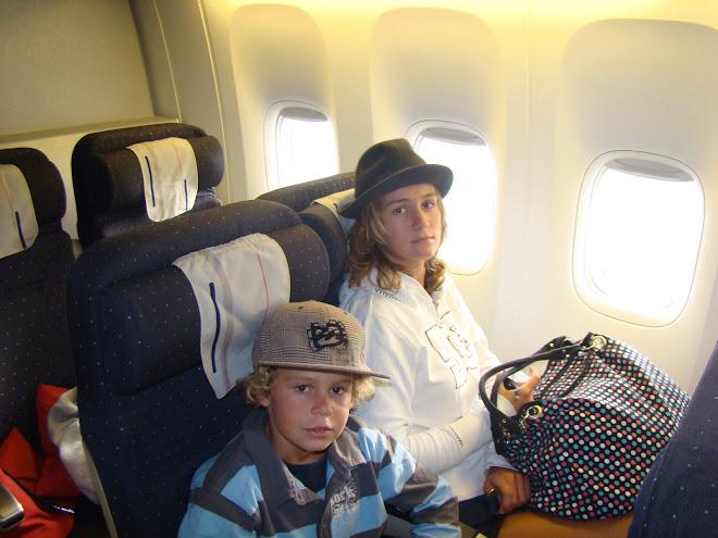 dans l'avion du retour apres 9 heures de vol