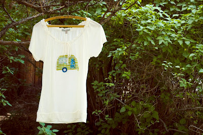 applique vintage camper trailer tshirt tee shirt