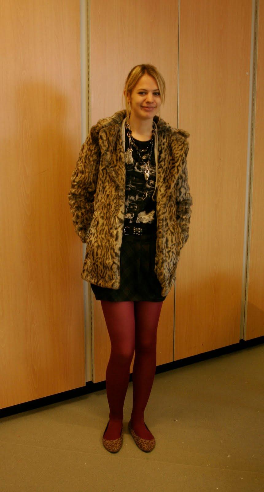 [anna+thursday+coat]