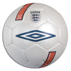Umbro-England-X-Match-Ball-for-Euro-2008-Qualifying-Replica.jpg