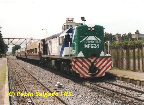 MF 624 EN EST. ISIDRO CASANOVA