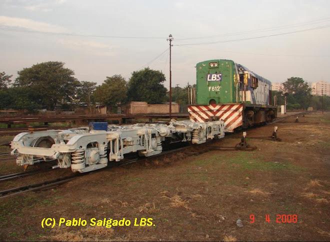 F 612 REALIZANDO MANIOBRAS