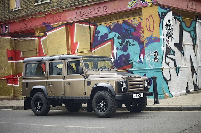 Land Rover 3 Door. [2011 Land Rover Defender