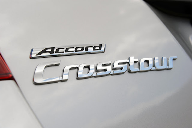 2011 honda accord crosstour logo view 2011 Honda Accord Crosstour