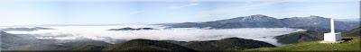 Un mar de nubes cubre la Llanada