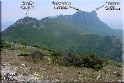 Recilla, Palomares y Larrasa desde la cima de Cervera'02