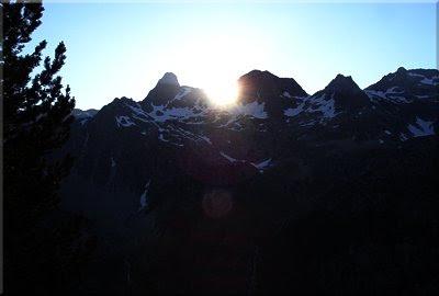 El Sol se oculta por el Cdo. de Argualas